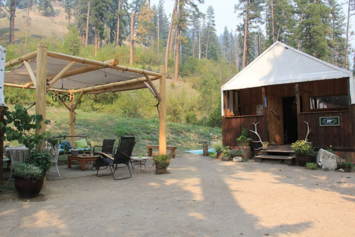 view of lodge at paradise, idaho glamping